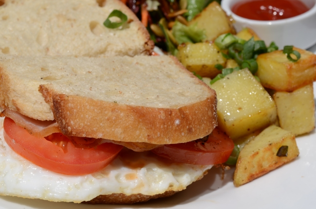 Alibi Room: Bacon, Fried Egg and Tomato Sandwich with The Commons ...
